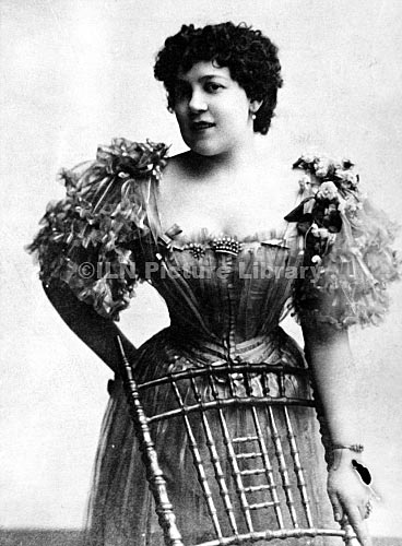 Crippen's wife, Cora Crippen.  She also used the stage name Belle Elmore