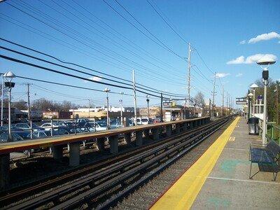 Colin Ferguson staged his attack here, at the Merillon Avenue (LIRR station) in Garden City, New York (DanTD)