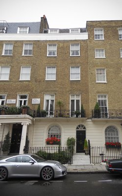 The Lucan home at 46 Lower Belgrave Street in London's posh Belgravia district (By Carcharoth (Commons) - Own work, CC BY-SA 3.0, https://commons.wikimedia.org/w/index.php?curid=20077974)