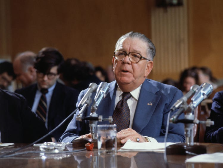 Frank Fitzsimmons testifies before Senate Investigations Subcommittee in 1977