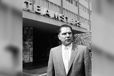 Hoffa in front of Teamsters Headquarters